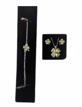 Conjunto de Swarovski en forma de trébol que contiene una pulsera, un colgante y unos pendientes en color Verde