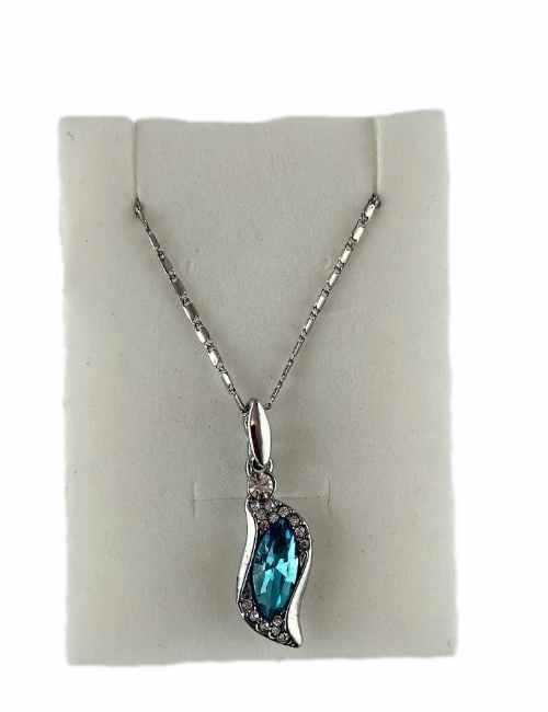 Colgante en forma de Lagrima con brillantes color Azul Claro