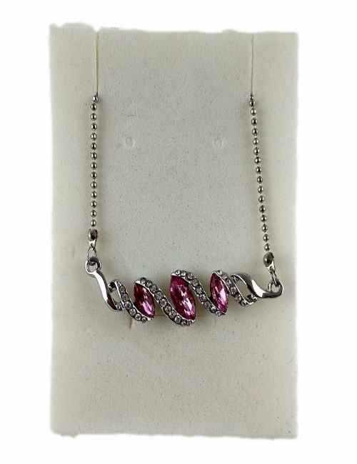 Colgante en forma de rombos con cristales de Swarovski color Rosa
