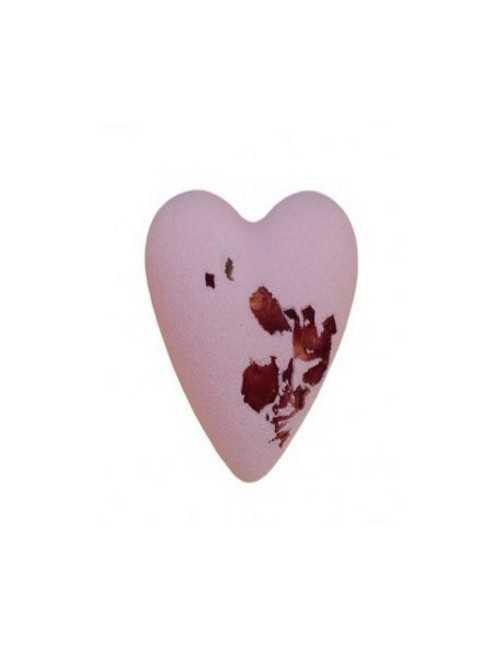 Bomba de Baño en forma de corazón con pétalos de rosa en su interior